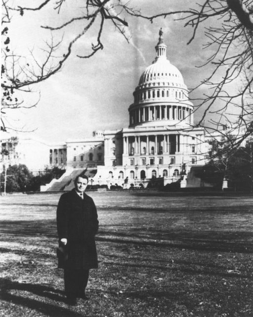 Byrd outside Capitol in 1959