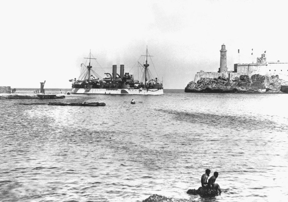 USS Maine entering Havana harbor HD-SN-99-01929