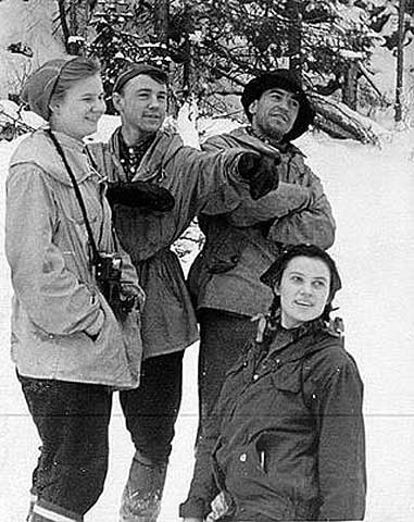 From left, Lyudmila Dublinina, Rustem Slobodin, Alexander Zolotaryov and Zina Kolmogorova posing in early 1959.