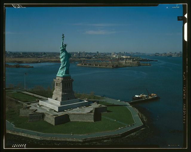 Statue Of Liberty Arrives In New York | World History Project