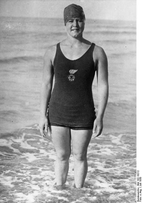 gertrude ederle becomes the first woman to swim across the