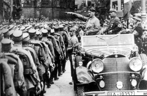 a biography of adolf hitler the fhrer Hermann göring biography  gring had met adolf hitler in 1921 and joined the small national socialist  gring attempted to assume the fhrer's.