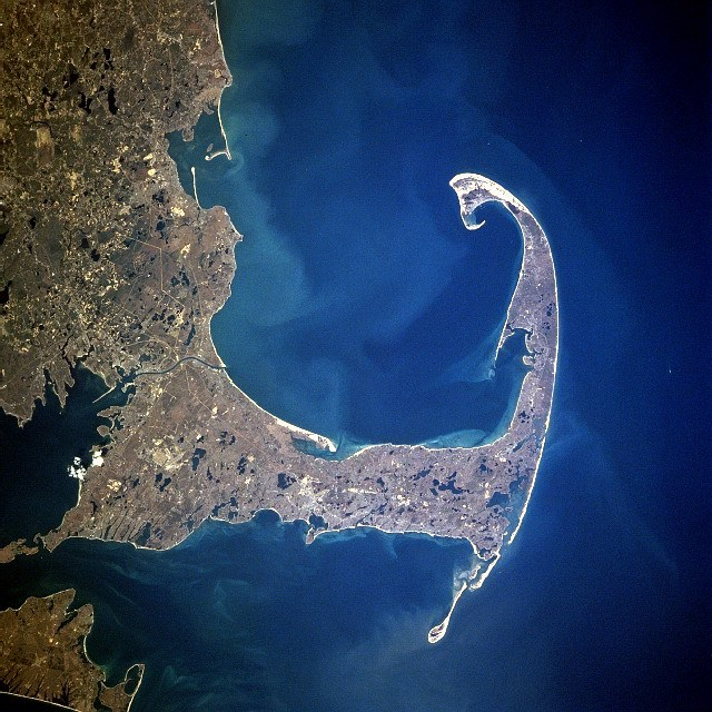 Mayflower arrived inside the tip of Cape Cod fishhook, 11 November/21 November 1620 (satellite photo, 1997)
