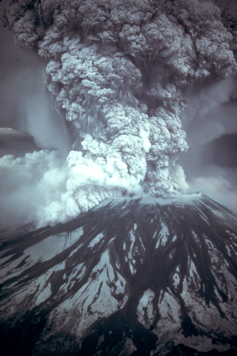 On May 18, 1980, at 8:32 a.m. Pacific Daylight Time, a magnitude 5.1 earthquake shook Mount St. Helens.